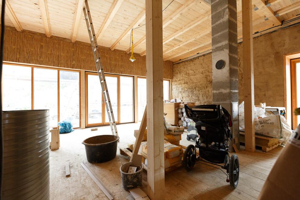 Auch im Innenraum: Viel Holz und Naturmaterial